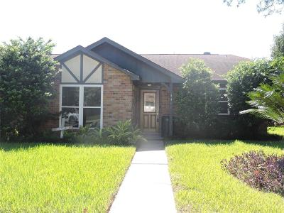 Pasadena Single Family Home For Sale: 4402 Iroquois Drive