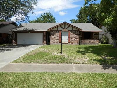 Friendswood Single Family Home For Sale: 4326 Townes Forest Road