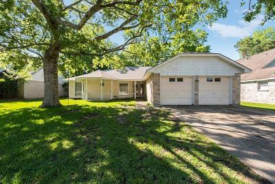 League City Single Family Home For Sale: 824 Oak Ridge Drive