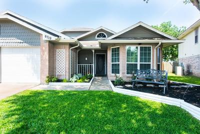 Single Family Home For Sale: 6719 Pleasant Stream Drive