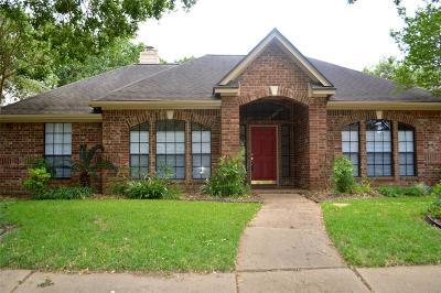 Pasadena Single Family Home For Sale: 1438 Juniper Lane