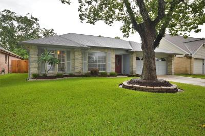 League City Single Family Home For Sale: 420 Windhollow Circle