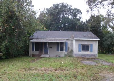 Alvin Single Family Home For Sale: 311 N Lee Street