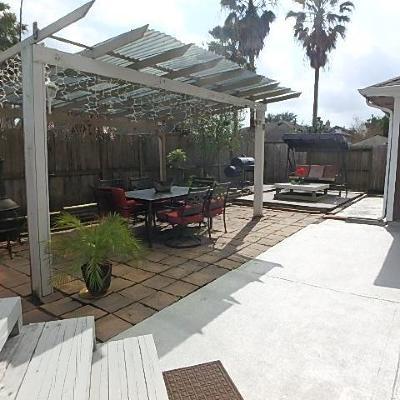 Kemah Single Family Home For Sale: 607 Oak Briar Drive