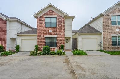 Houston Condo/Townhouse For Sale: 5951 S Loop E #35