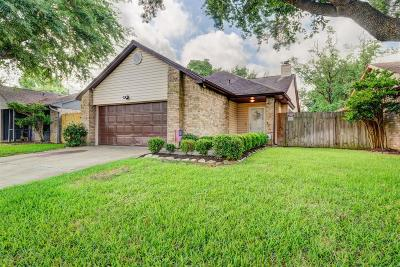 Cypress Single Family Home For Sale: 19945 Mountain Dale Drive