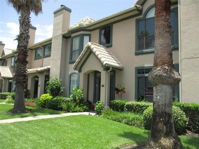 Kemah Condo/Townhouse For Sale: 458 Mariners Drive