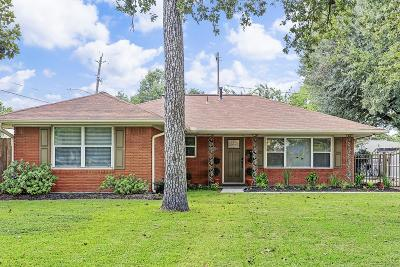 Oak Forest Single Family Home For Sale: 1903 Brimberry