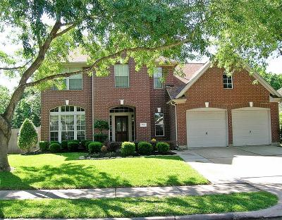 Pearland Single Family Home For Sale: 2705 Juniper Drive