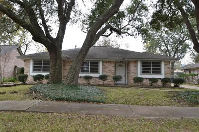 Friendswood Single Family Home For Sale: 15506 Edenvale Street