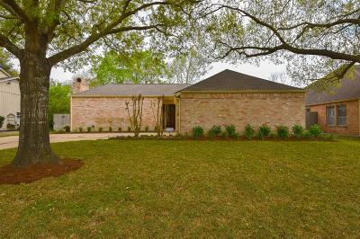 Houston Single Family Home For Sale: 11823 Chase Lake Drive
