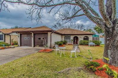 Pasadena Single Family Home For Sale: 6011 Honey Lane