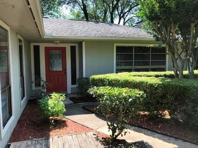 Single Family Home For Sale: 414 W Castle Harbour Drive