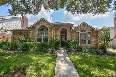 Fort Bend County Single Family Home For Sale: 8019 Meadow Pond