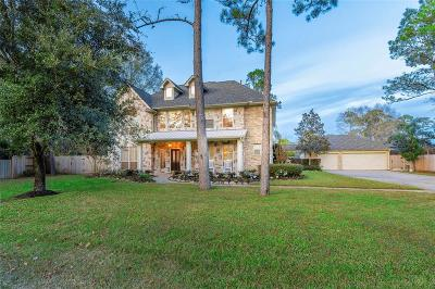 Friendswood Single Family Home For Sale: 705 Red Bud Court