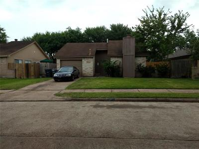 Sugar Land Single Family Home For Sale: 10711 Highland Woods Drive