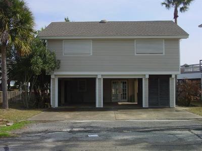 Tiki Island Single Family Home For Sale: 1207 Hawaii Drive