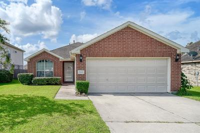 Porter Single Family Home Pending: 21446 Olympic Forest Drive