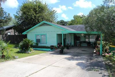 Baytown Single Family Home For Sale: 4622 N Highway 146