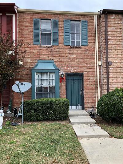 Houston Condo/Townhouse For Sale: 7700 Creekbend Drive #124