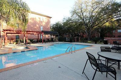 Houston Condo/Townhouse For Sale: 4041 Drake Street #102