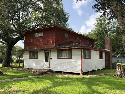 Sweeny Single Family Home For Sale: 101 N Fig Street