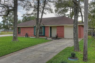 Willis Single Family Home For Sale: 101 Laurie Lane