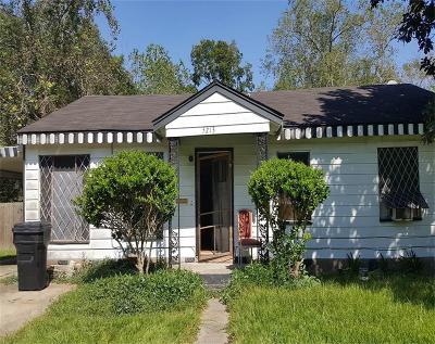 Houston Single Family Home For Sale: 5213 Higgins Street