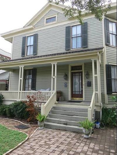 Single Family Home For Sale: 1209 Broadway Street