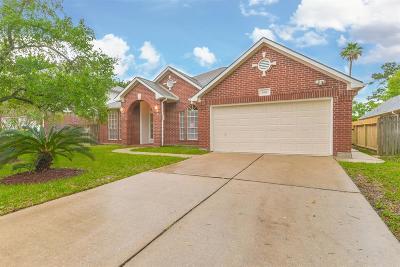 Seabrook Single Family Home For Sale: 1414 Killdeer Drive