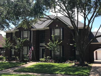 League City Single Family Home For Sale: 2403 N Lake Front Drive