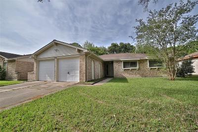 Houston Single Family Home For Sale: 827 Wavecrest Lane