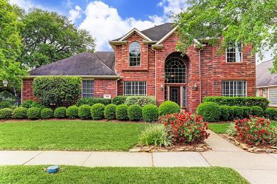 League City Single Family Home For Sale: 108 Oak Creek Lane