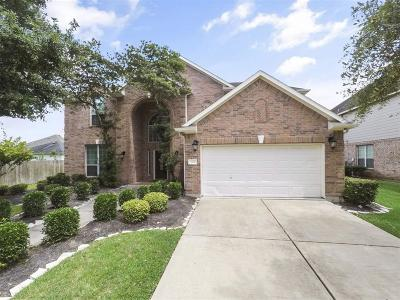 Pearland Single Family Home For Sale: 2501 Still Bay Street W