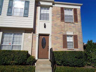 Sugar Land Condo/Townhouse For Sale: 2808 Grants Lake Boulevard #601
