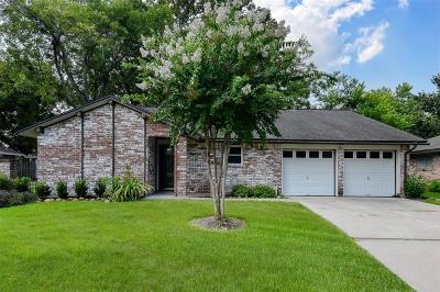 Friendswood Single Family Home For Sale: 15510 Edenvale Street
