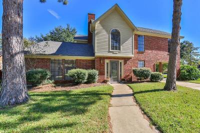 Katy Single Family Home For Sale: 547 Everington Drive