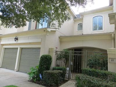 Sugar Land Condo/Townhouse For Sale: 22 Sweetwater Court
