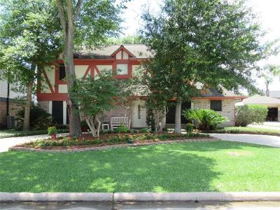 Sugar Land Single Family Home For Sale: 1807 Cedarwood Court