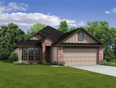 Briar Grove Single Family Home For Sale: 1033 Pleasant Bend