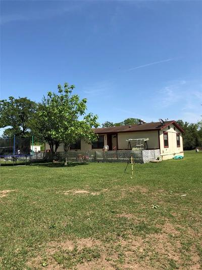 Fayette County Farm & Ranch For Sale: 1820 Woodhaven Drive