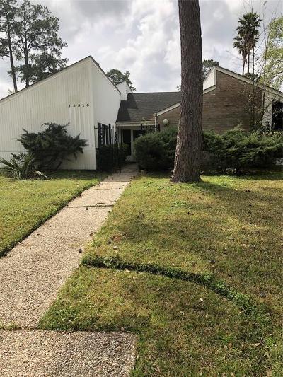 Single Family Home For Sale: 15515 Winding Moss Drive E