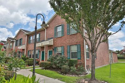 Kemah Condo/Townhouse For Sale: 2001 Kemah Village Drive
