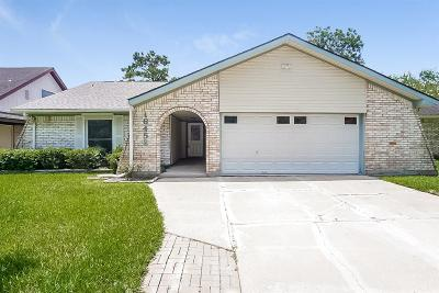 Single Family Home For Sale: 16458 Dunmoor Drive