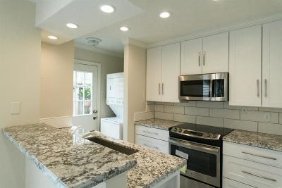 Houston Condo/Townhouse For Sale: 3100 Jeanetta Street #305