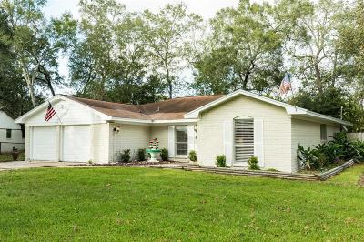 Alvin Single Family Home For Sale: 116 Oak Manor Drive