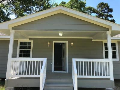 Magnolia Single Family Home For Sale: 31111 Honeysuckle Lane