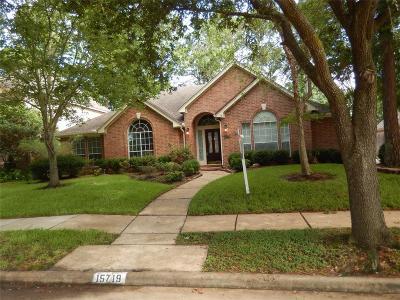 Single Family Home For Sale: 15719 El Dorado Oaks Drive