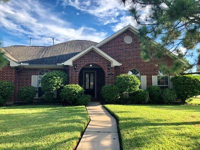 Pearland Single Family Home For Sale: 11308 Madison Court