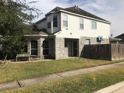 Humble TX Single Family Home For Sale: $220,000